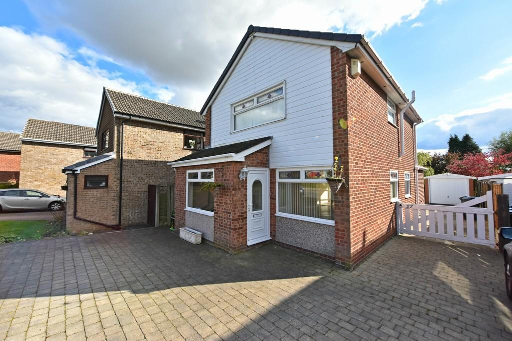 3 Bedrooms Detached House for sale in Cole Crescent, Aughton