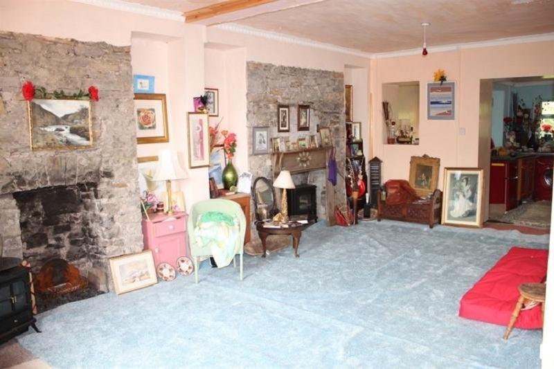 3 Bedrooms Terraced House for sale in Prospect Place, Ystalyfera, Swansea.