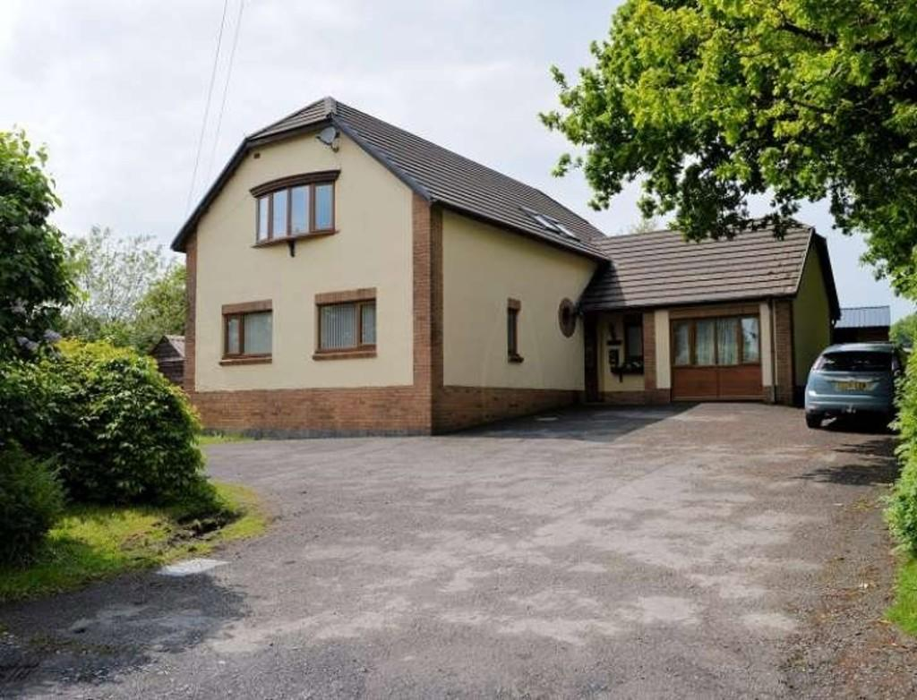 5 Bedrooms Detached House for sale in Foelgastell, Carmarthenshire