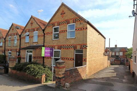 3 bedroom end of terrace house to rent - Radcliffe Road, Stamford
