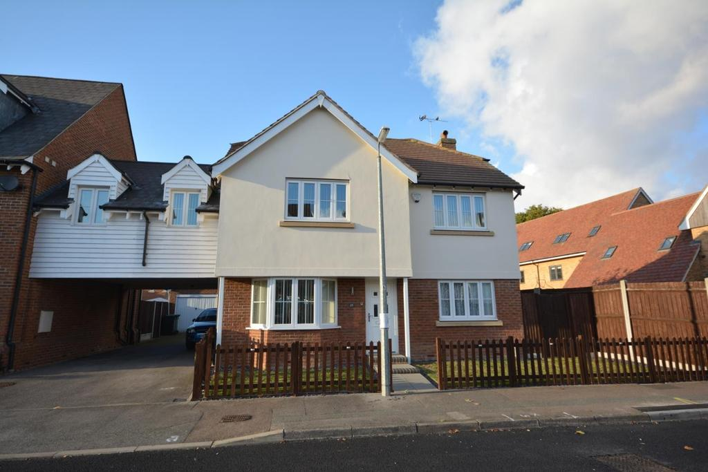 4 Bedrooms Link Detached House for sale in Leywood Close, Braintree, Essex, CM7