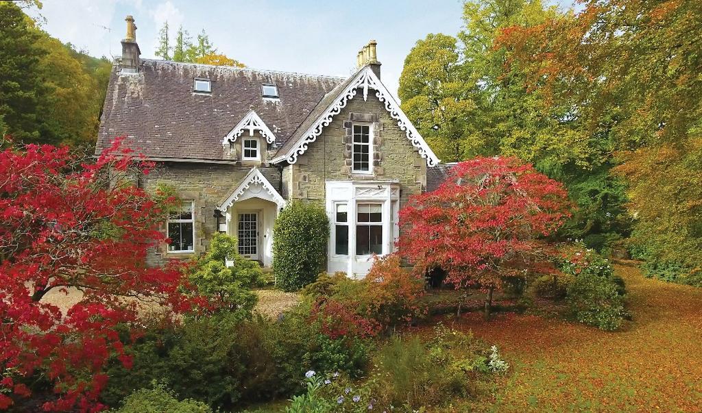 6 Bedrooms Detached Villa House for sale in Shore Road, Garelochhead, Argyll Bute, G84 0EL