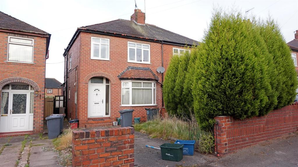 3 Bedrooms Semi Detached House for sale in Leech Avenue, Chesterton, Newcastle