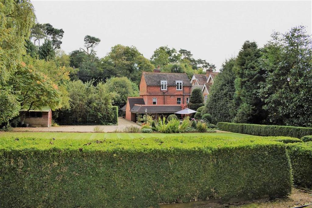 4 Bedrooms Semi Detached House for sale in Shortfield Common Road, Frensham, Surrey