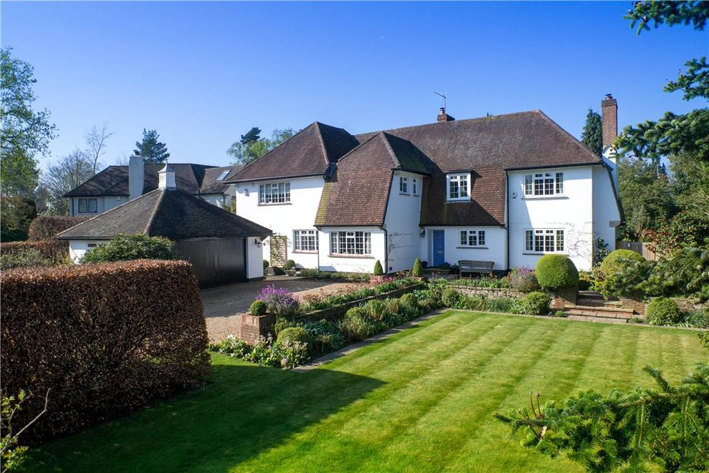 5 Bedrooms Detached House for sale in Sandy Way, Cobham, Surrey, KT11