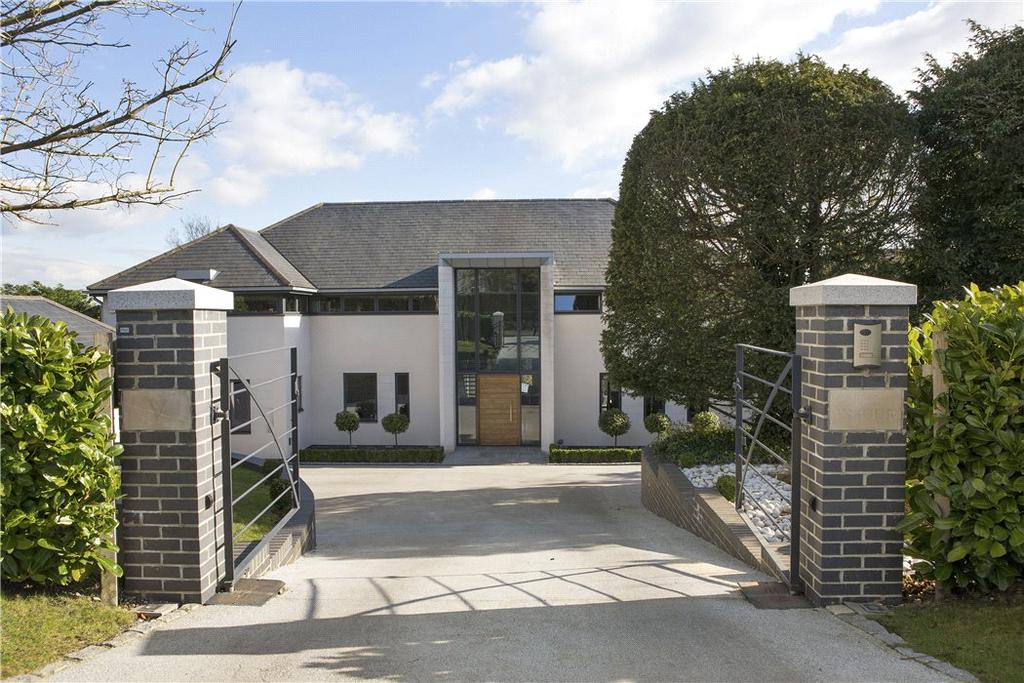 4 Bedrooms Detached House for sale in Guildown Avenue, Guildford, Surrey, GU2