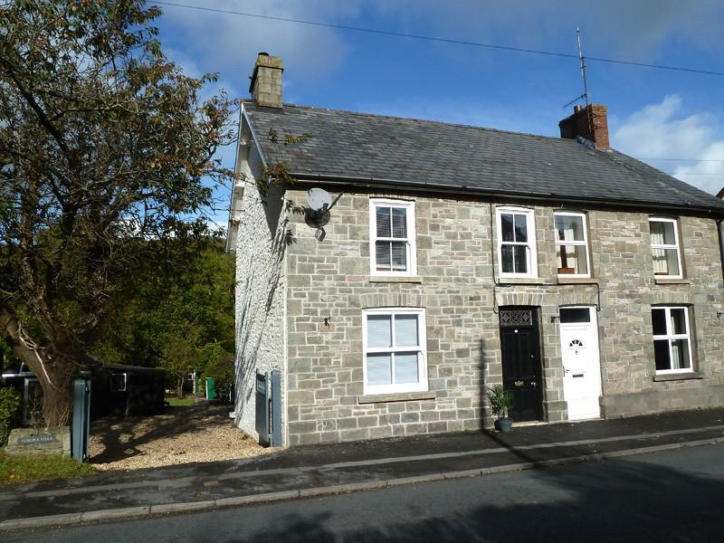 4 Bedrooms Semi Detached House for sale in Sennybridge, Brecon, Powys.