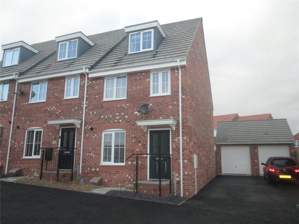 3 Bedrooms Semi Detached House for sale in Elder Court, Clipstone Village, Nottinghamshire, NG21