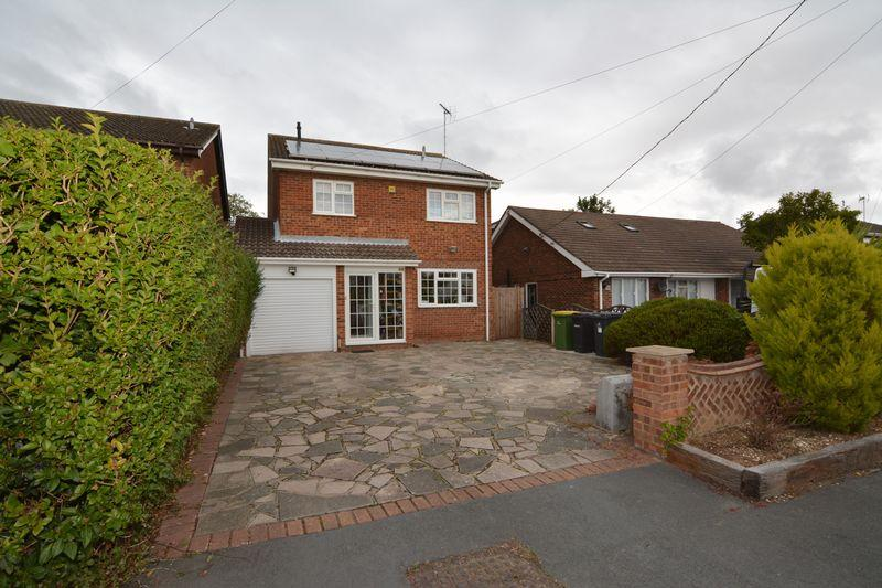 4 Bedrooms Detached House for sale in Stanley Road, Rochford