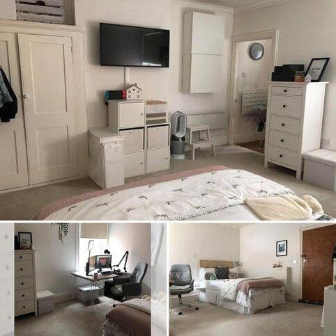 Studio to rent - Lavant Street, Petersfield