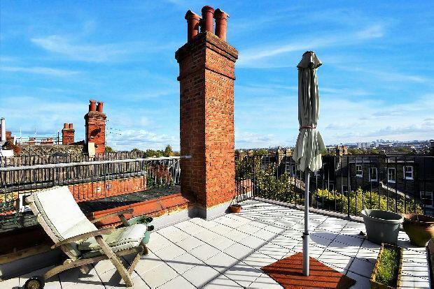 4 Bedrooms Terraced House for sale in HARBERTON ROAD Whitehall Park N19 3JP