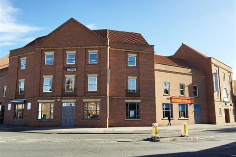Retail property (high street) to rent - Castle Gate, Newark, Nottinghamshire