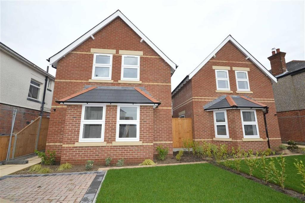 3 Bedrooms Detached House for sale in Barnes Road, Bournemouth, Dorset, BH10