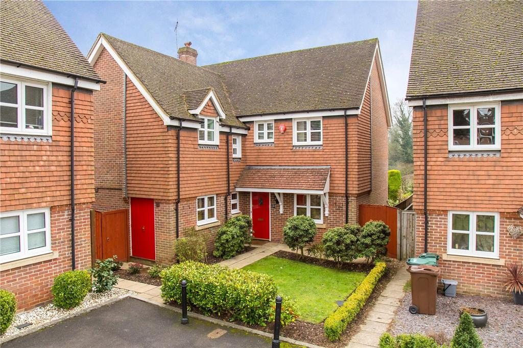 4 Bedrooms Detached House for sale in Barley Brow, Watford, Hertfordshire