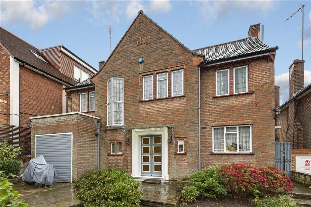 4 Bedrooms Detached House for sale in Crooked Usage, London, N3