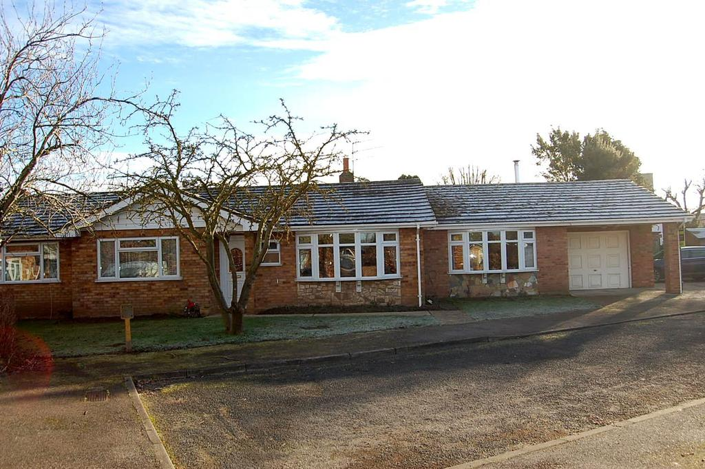 4 Bedrooms Detached Bungalow for sale in Walnut Grove, Worlington