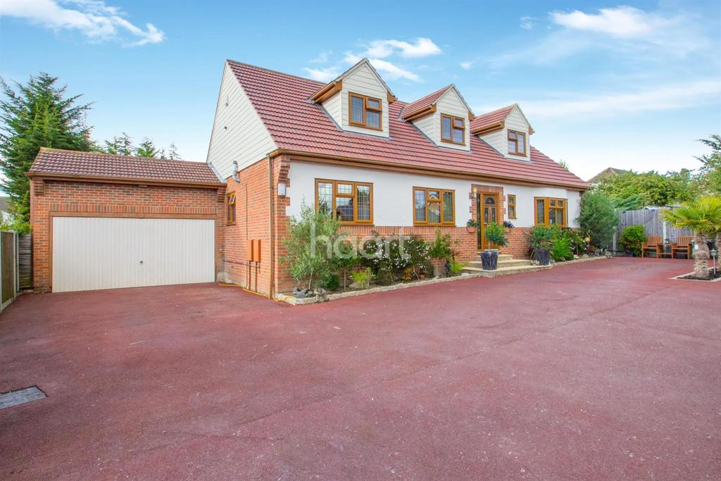 5 Bedrooms Detached House for sale in Oakfield Road, South Benfleet