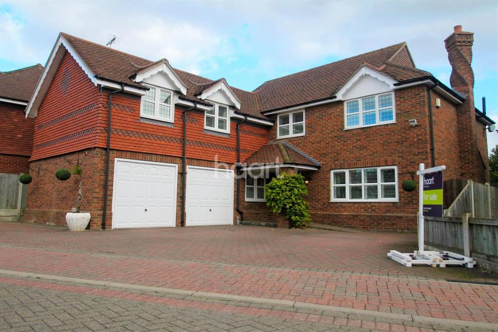 5 Bedrooms Detached House for sale in Glencrofts, Hockley