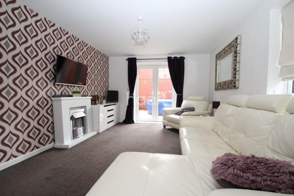 3 Bedrooms Detached House for sale in St Michaels Way, Cranbrook