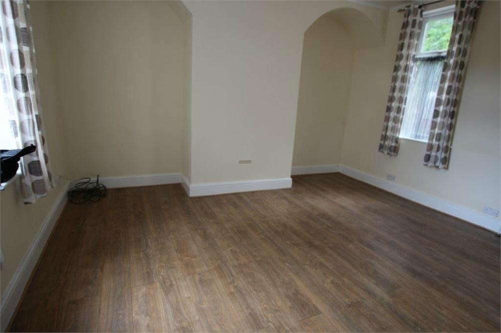 2 Bedrooms Terraced House for sale in Primrose Hill, BATLEY, West Yorkshire