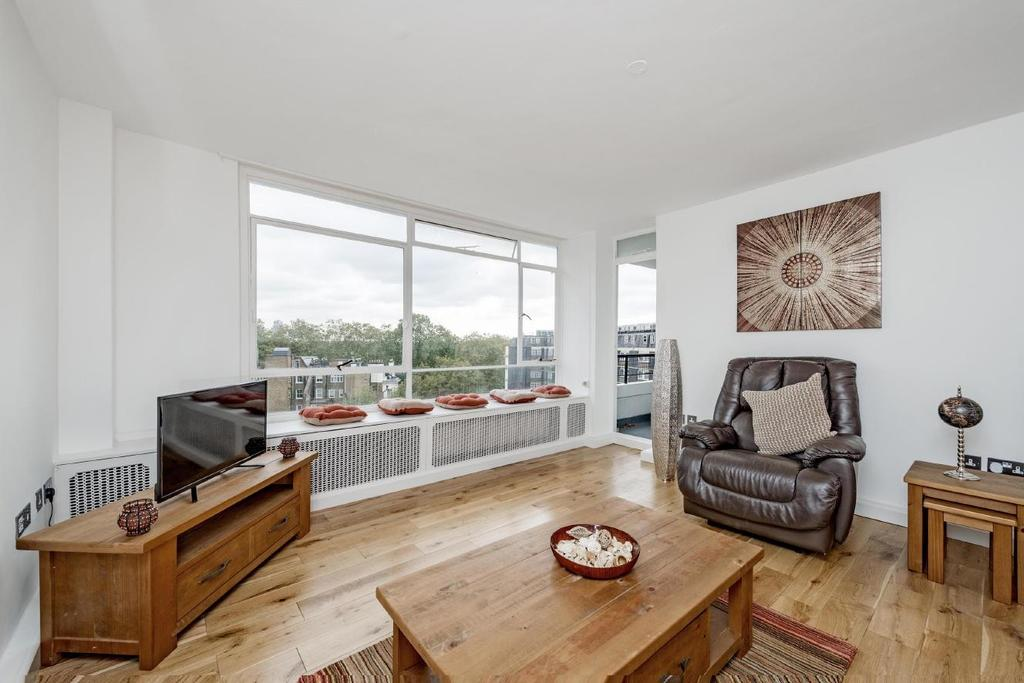 3 Bedrooms Flat for sale in Craven Terrace, Bayswater, W2