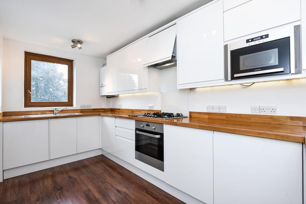 2 Bedrooms Flat for sale in Gipsy Lane, Barnes
