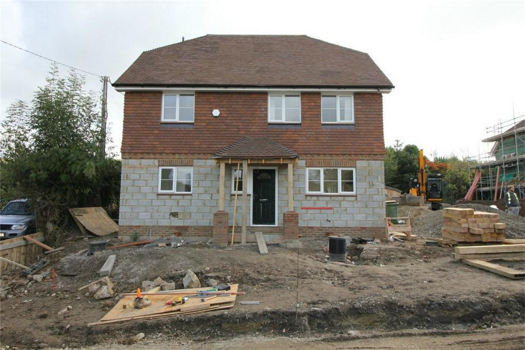 5 Bedrooms Detached House for sale in No 1 Doleham Close, GUESTLING, East Sussex