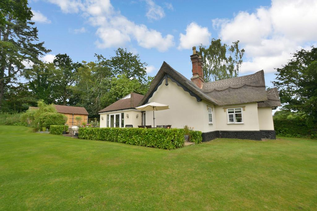 3 Bedrooms Cottage House for sale in Low Road, Starston