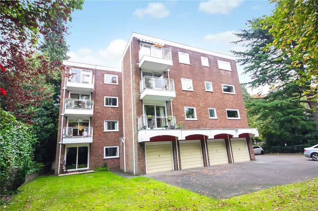 2 Bedrooms Flat for sale in Glenferness Avenue, Talbot Woods, Bournemouth, Dorset, BH4
