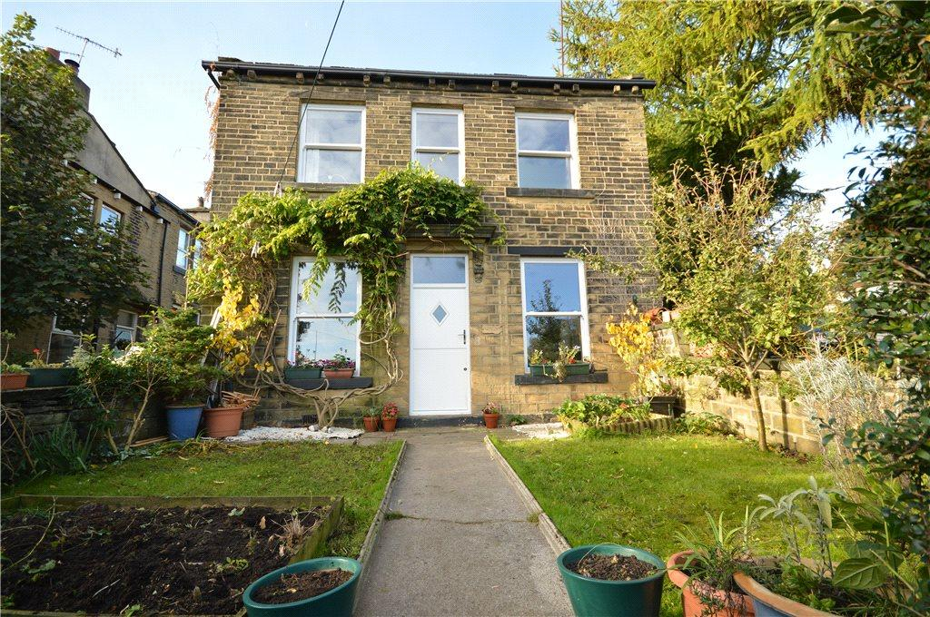 2 Bedrooms Semi Detached House for sale in Town Gate, Calverley, Pudsey, West Yorkshire