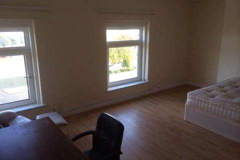 7 bedroom end of terrace house to rent - Bryn Road, Swansea