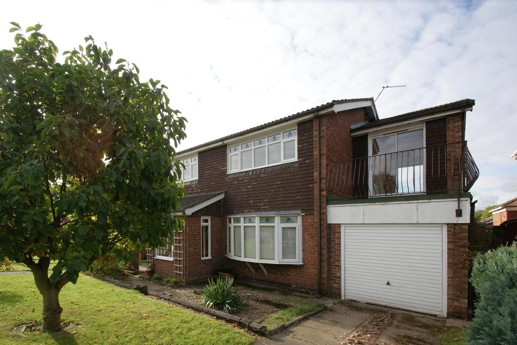 4 Bedrooms Detached House for sale in 20 Longfield Drive, Bessacarr, Doncaster, DN4 7HQ