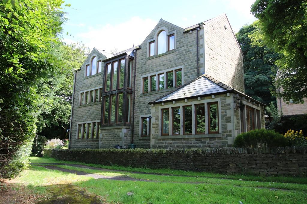 4 Bedrooms Detached House for sale in Cuttlehurst, Scissett