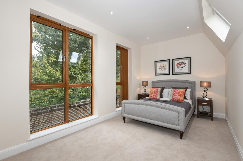 3 Bedrooms Town House for sale in Meadow Mews, Meadow Road, SW8