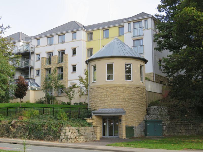 2 Bedrooms Apartment Flat for sale in Tregolls Road, Truro
