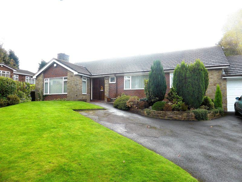 3 Bedrooms Detached Bungalow for sale in Birchall Close, Birchall