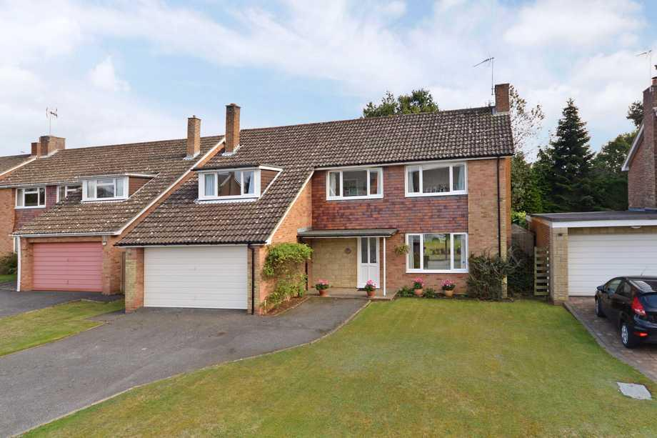 4 Bedrooms Detached House for sale in Smeeth, TN25