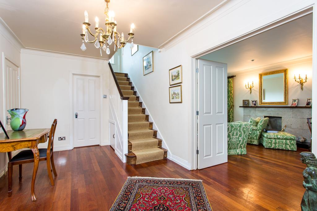 5 Bedrooms House for sale in Chatsworth Road, Ealing