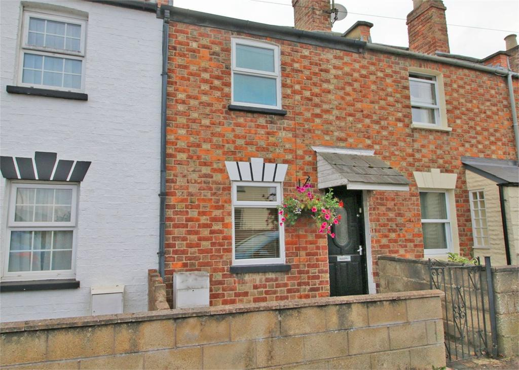 2 Bedrooms Terraced House for sale in Rowanfield Road, Cheltenham