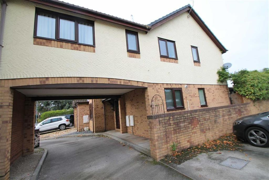 3 Bedrooms Mews House for sale in Eastfield Court, Wrexham