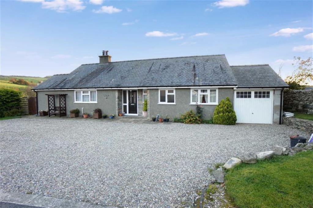 3 Bedrooms Detached Bungalow for sale in Pentrefoelas, Betws Y Coed
