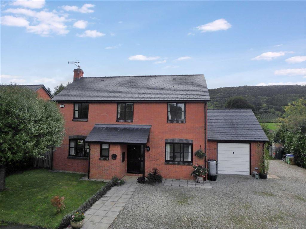 4 Bedrooms Detached House for sale in Deer Park Close, Moccas, Hereford