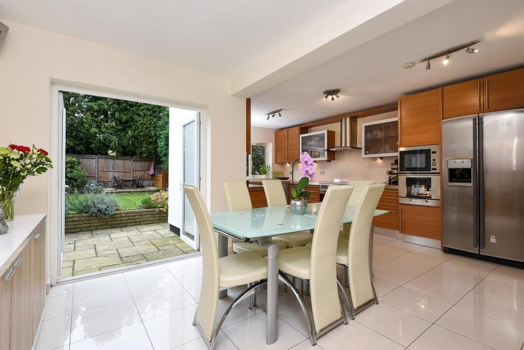 5 Bedrooms Detached House for sale in Oakleigh Crescent, Whetstone, N20