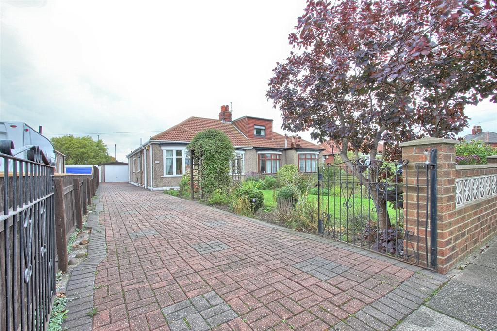2 Bedrooms Semi Detached Bungalow for sale in Gordon Road, Redcar