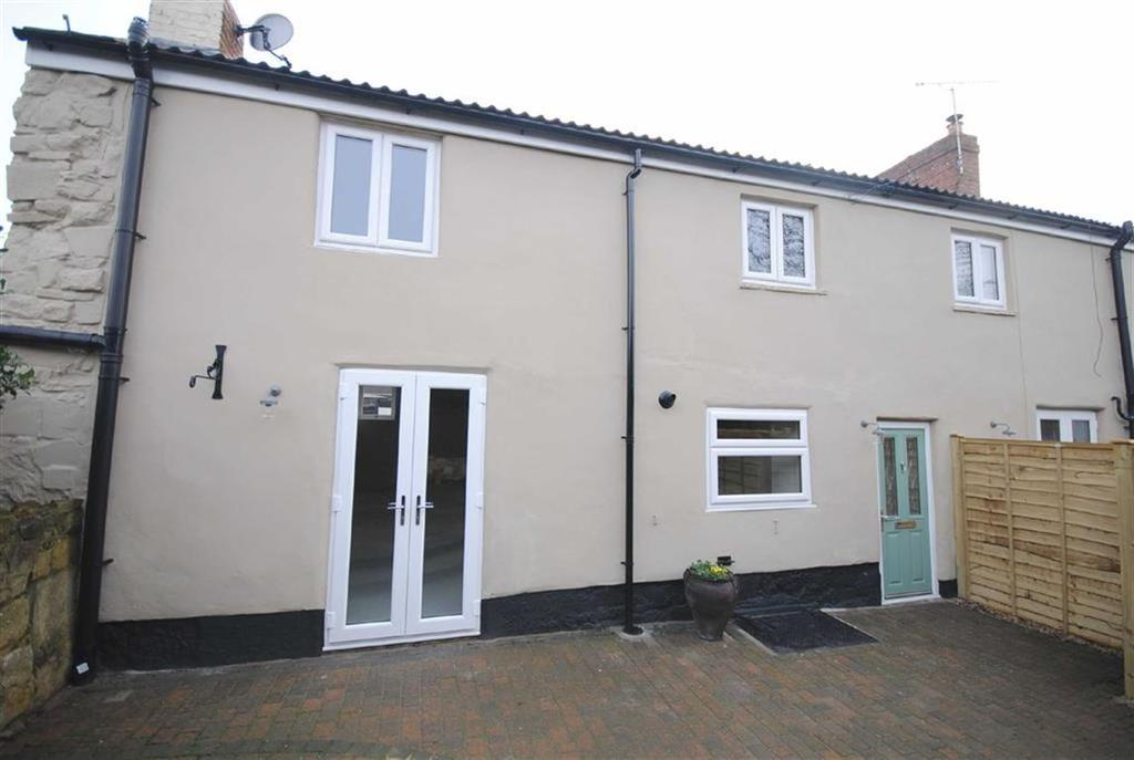 2 Bedrooms Semi Detached House for sale in High Street, Kippax, Leeds, LS25