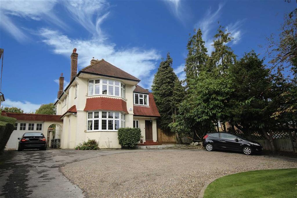 4 Bedrooms Detached House for sale in Barnet Road, Arkley, Hertfordshire