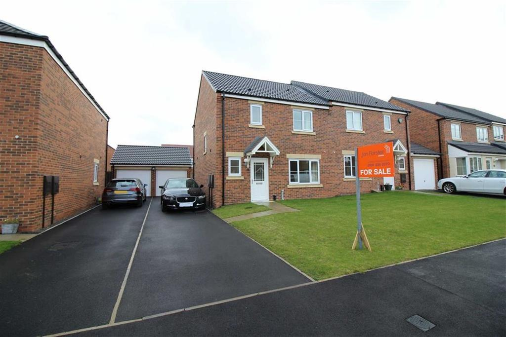 3 Bedrooms Semi Detached House for sale in Dunnock Place, North Gosforth, NE13