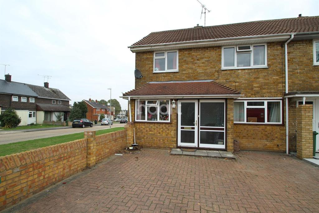 3 Bedrooms End Of Terrace House for sale in Nelson Road, Basildon