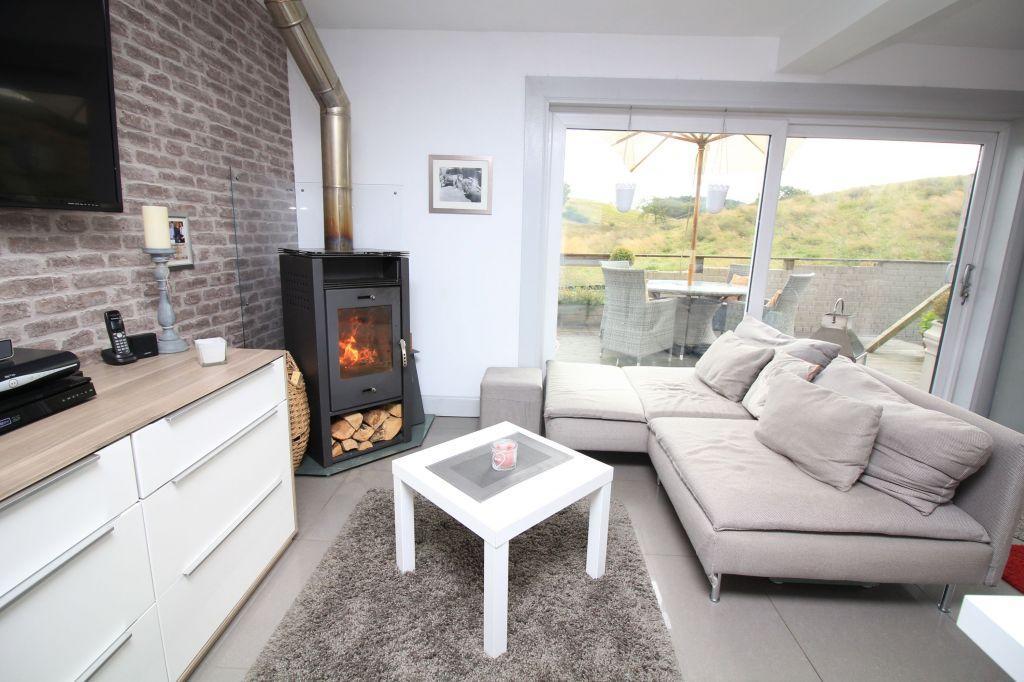 4 Bedrooms Detached House for sale in Braehead Cottage, Avonbridge Road, Slamannan, FK1 3ET
