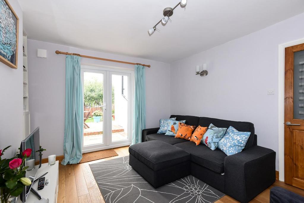1 Bedroom Flat for sale in Rye Hill Park, Peckham, SE15